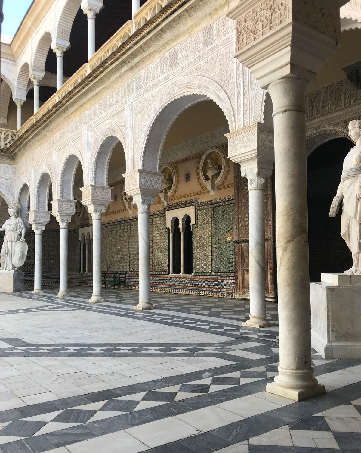 palacio de las dueñas, sevilla